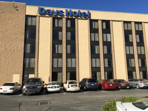 Days Hotel Oakland Airport-Coliseum Photo