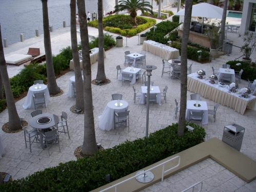 Gallery ONE - A DoubleTree Suites by Hilton Hotel Photo