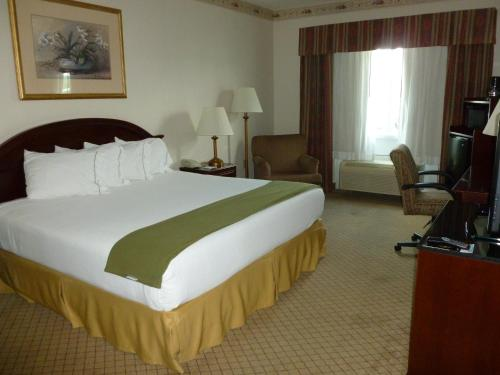 Baymont Inn & Suites Montgomery South - Montgomery, AL 36116