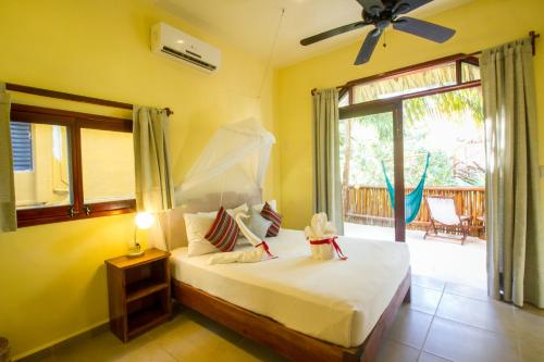 Playa Canek Boutique Eco Hotel Photo