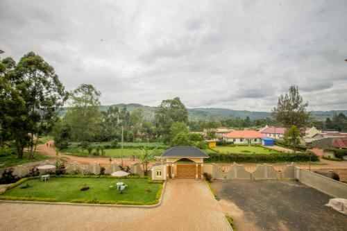 Heras Country Hotel, Kabale