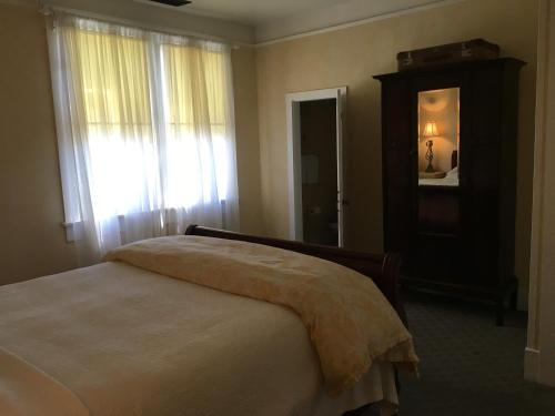 The Madison House Bed and Breakfast - Nevada City, CA 95959