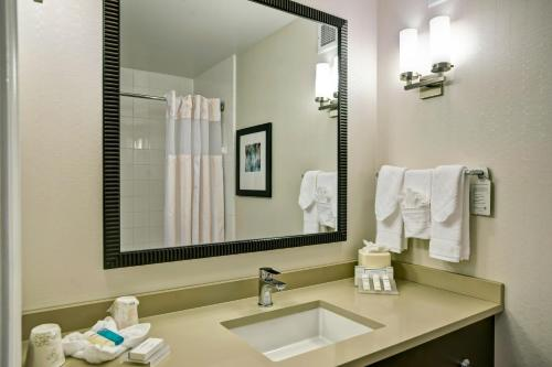 Hilton Garden Inn Chicago Downtown/Magnificent Mile photo 38