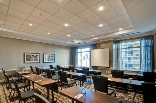Hilton Garden Inn Chicago Downtown/Magnificent Mile photo 54