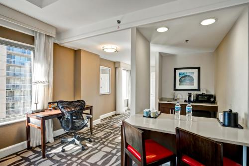 Hilton Garden Inn Chicago Downtown/Magnificent Mile photo 64