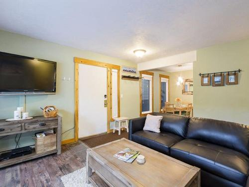 Meadowlark 422 Condo - Steamboat Springs, CO 80487