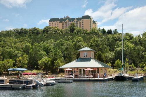 Chateau on the Lake Resort Spa Photo