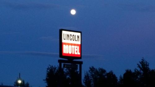 Lincoln Motel Photo