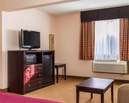 Quality Inn & Suites Ottumwa Photo