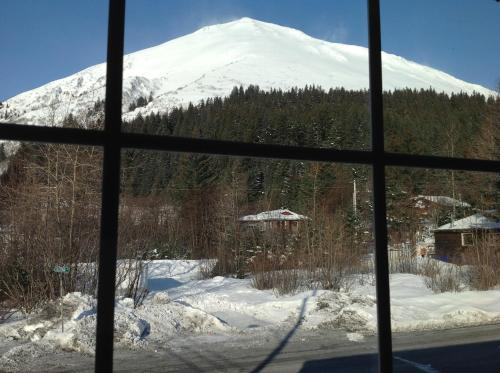 Alaskan Wish Lodging Photo