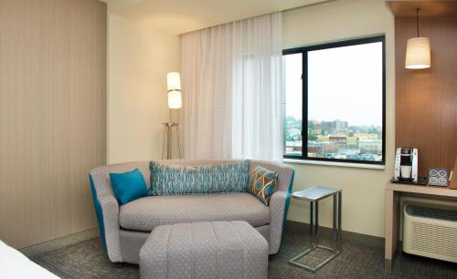 Courtyard by Marriott Seattle Everett Downtown Photo