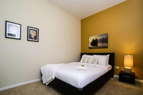 Hotel Two-bedroom On N Halsted Street Apt 302 thumb-1