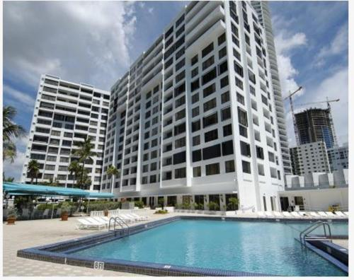 Hollywood Florida Apartment Vacation Rental