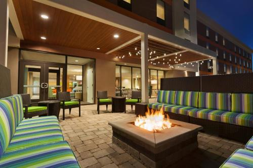Home2 Suites by Hilton Champaign/Urbana Photo