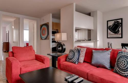 Global Luxury Suites at 777 6th Avenue Photo