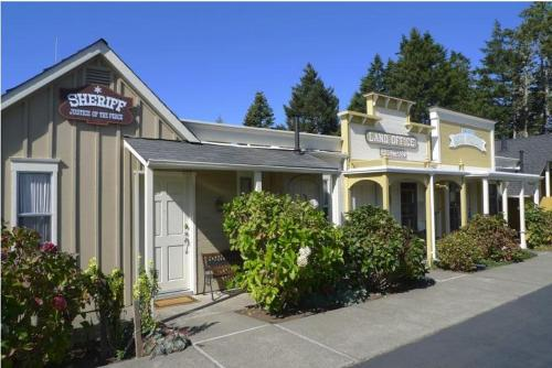 Blackberry Inn - Mendocino, CA 95460