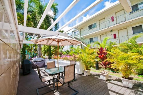 Vacation Rental Suites at Royal Garden Waikiki - Honolulu, HI 96815
