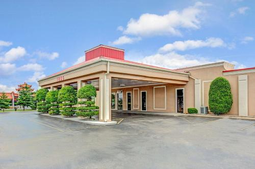 Ramada Murfreesboro Hotel Photo