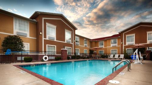Best Western Sherwood Inn & Suites - North Little Rock, AR 72120