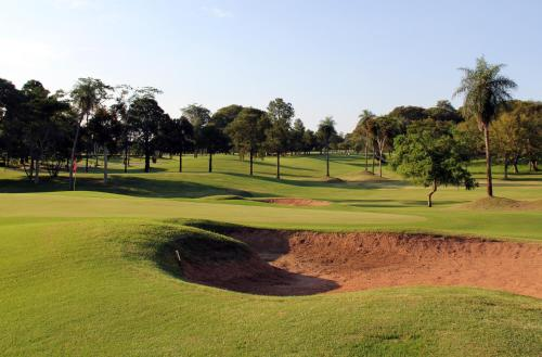 Resort Yacht Y Golf Club Paraguayo Photo