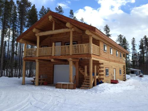 Robson Valley Chalet Photo