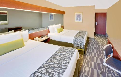 Microtel Inn & Suites by Wyndham Daphne Photo