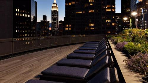 Global Luxury Suites at 300 East 39th Street Photo