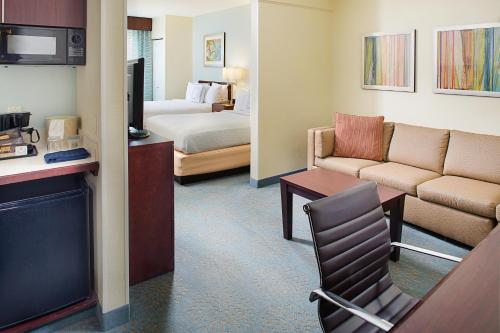 SpringHill Suites Manchester-Boston Regional Airport Photo