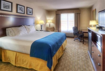 Holiday Inn Express Hotel & Suites Albuquerque Historic Old Town Photo