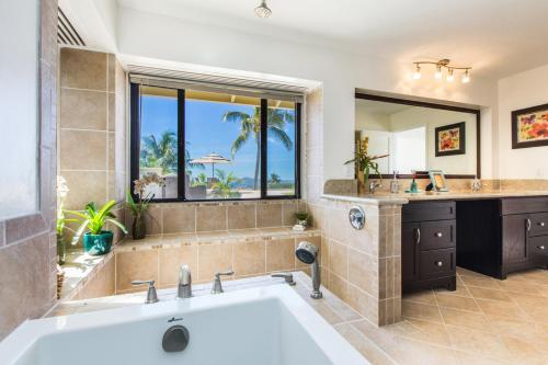 The Sunset Villa - Honolulu, HI 96825