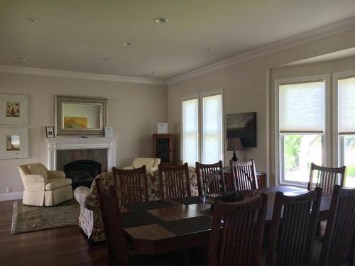 St. Anne's Crossing Guest House - Kenwood, CA 95452