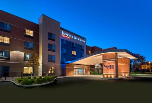 Fairfield Inn & Suites by Marriott Syracuse Carrier Circle Photo