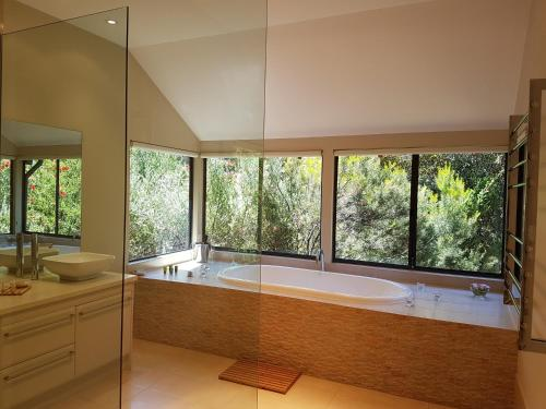 Jarrah Grove Forest Retreat