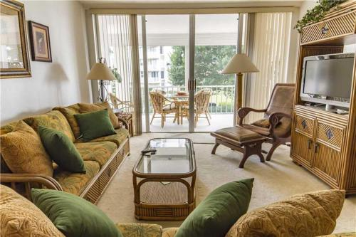 Creciente - One Bedroom Condo - 204