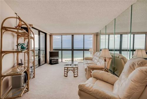 Lighthouse Towers - One Bedroom Condo - 1205