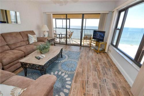 Arie Dam - Two Bedroom Condo - 404