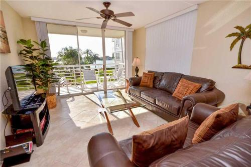 Bahia Vista - Two Bedroom Condo - 11-340