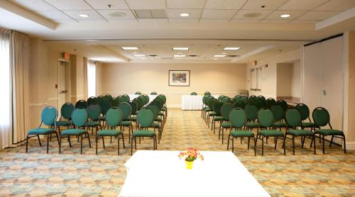 Hilton Garden Inn Secaucus/Meadowlands Photo