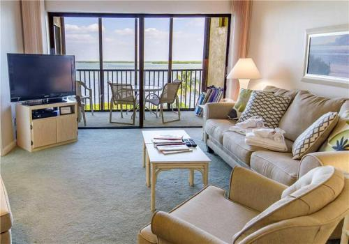 Windward Point - Two Bedroom Condo - 210