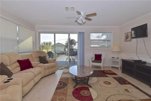 Gulf Retreat - Two Bedroom Home