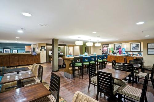 Hampton Inn Milford - Milford, CT 06460