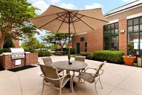 Homewood Suites by Hilton Falls Church Photo