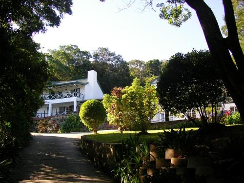 Hide-Away Guest House Photo