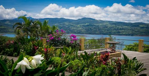 Lake Arenal Hotel and Microbrewery Photo