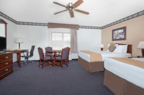 Baymont Inn and Suites Onalaska Photo