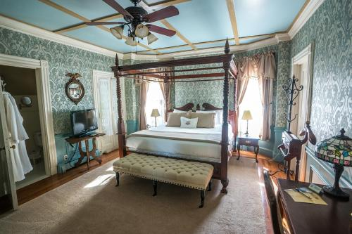 The Wallingford Victorian Inn Photo