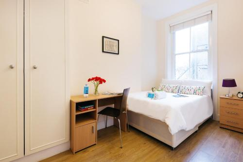 The Earls Court Townhouse photo 2