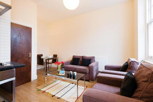 The Earls Court Townhouse photo 12