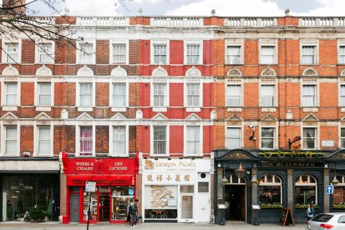 The Earls Court Townhouse photo 17