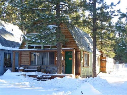 Bear Trap Cabin-Two Bedroom Home